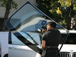 Auto Glass Replacementin Beverly Hills CA